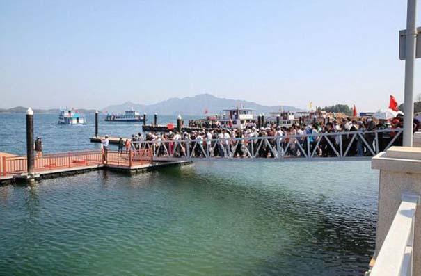 Απρόοπτο σε γέφυρα στην Κίνα (2)