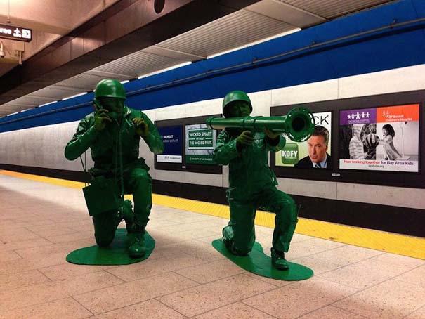 Ένα ζευγάρι... πράσινα στρατιωτάκια (1)