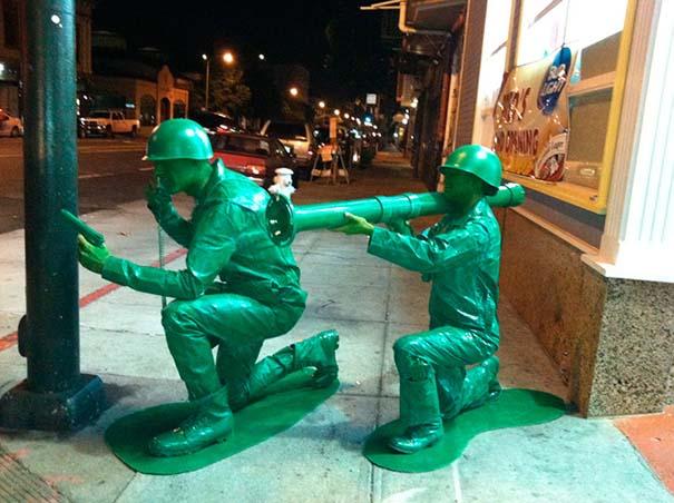 Ένα ζευγάρι... πράσινα στρατιωτάκια (10)