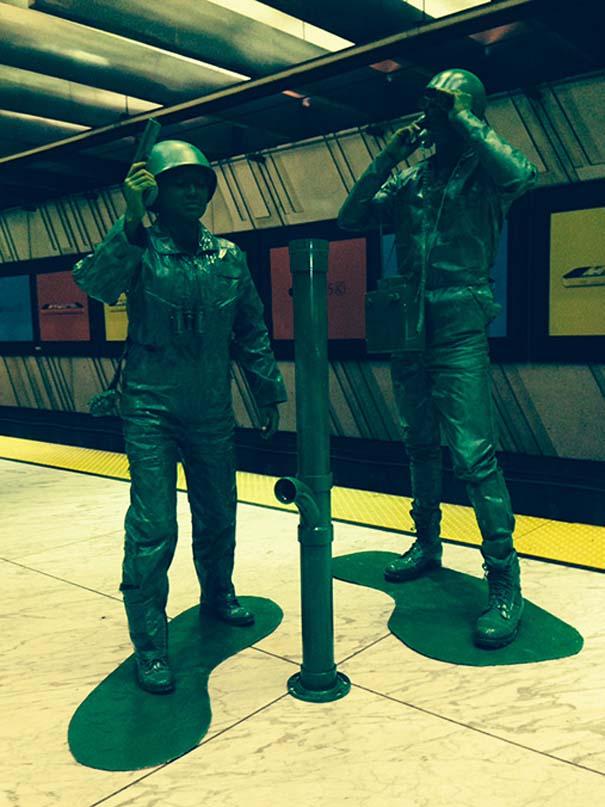 Ένα ζευγάρι... πράσινα στρατιωτάκια (11)