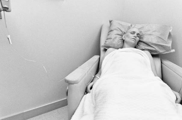 Φωτογράφος καταγράφει τη μάχη της γυναίκας του με τον καρκίνο του μαστού (12)