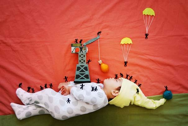 Μητέρα μετατρέπει τον ύπνο του μωρού της σε φανταστικές περιπέτειες (5)