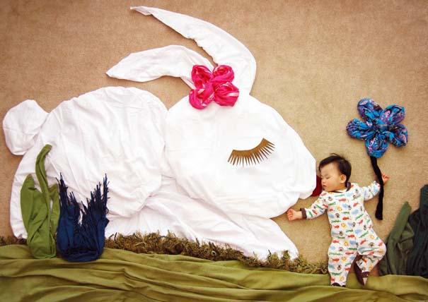 Μητέρα μετατρέπει τον ύπνο του μωρού της σε φανταστικές περιπέτειες (8)