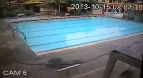 Τσουνάμι σε πισίνα