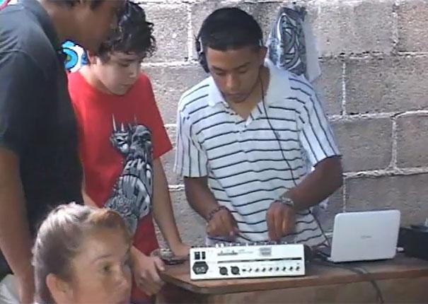Ποζεράς DJ