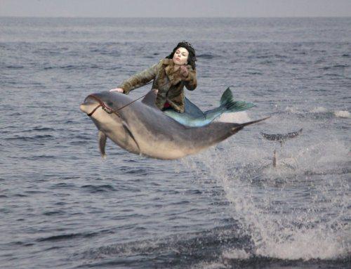 Η Scarlett Johansson έπεσε... και το Internet ανέλαβε δράση! (6)