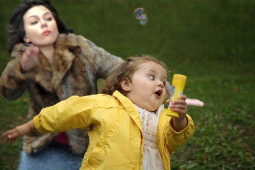 Η Scarlett Johansson έπεσε... και το Internet ανέλαβε δράση! (10)