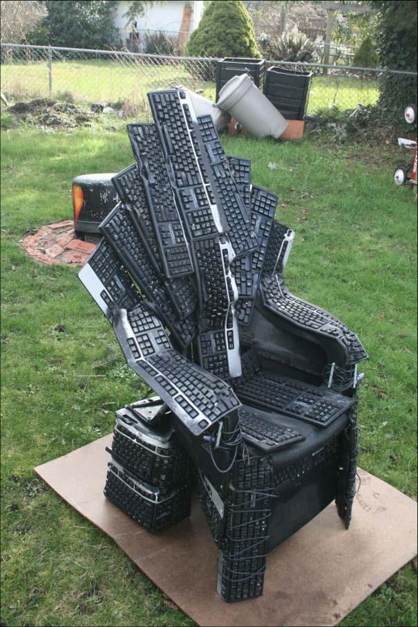 Θρόνος από πληκτρολόγια (3)