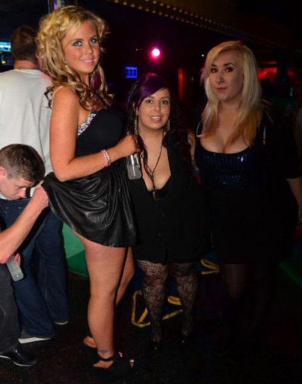 Τραγικές και αστείες στιγμές σε Clubs (1)