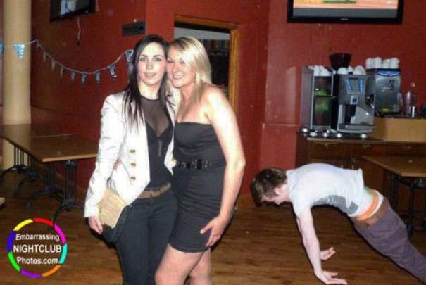 Τραγικές και αστείες στιγμές σε Clubs (3)