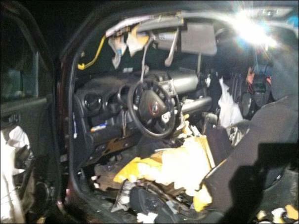 Αυτοκίνητο μετά την επιδρομή αρκούδων (4)