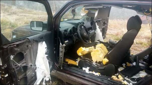 Αυτοκίνητο μετά την επιδρομή αρκούδων (5)