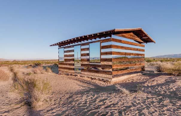 Ένα φαινομενικά «διάφανο» σπίτι στην έρημο (6)
