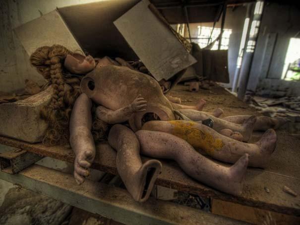 Φωτογραφίες από εγκαταλελειμμένα εργοστάσια παιχνιδιών (9)