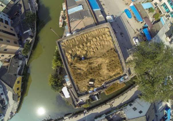 Κινέζος αγρότης έλυσε το πρόβλημα χώρου με έναν ασυνήθιστο τρόπο (4)