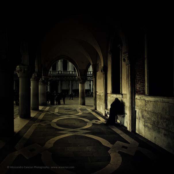 Μυστηριώδεις φωτογραφίες της Βενετίας στο σκοτάδι (1)