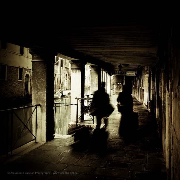 Μυστηριώδεις φωτογραφίες της Βενετίας στο σκοτάδι (8)