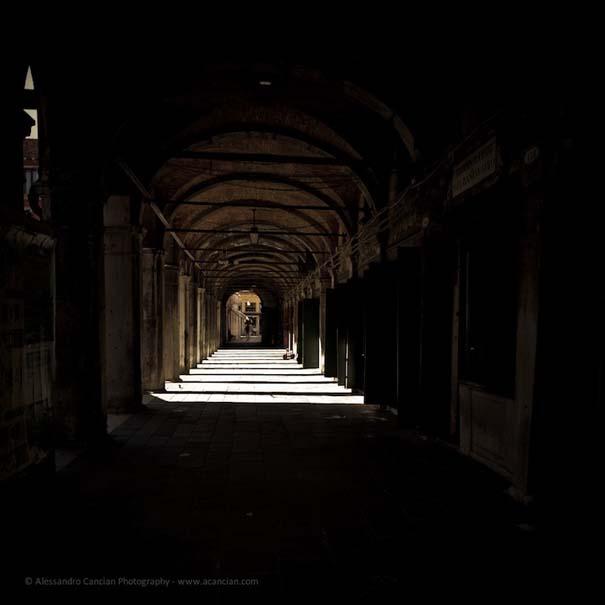 Μυστηριώδεις φωτογραφίες της Βενετίας στο σκοτάδι (9)