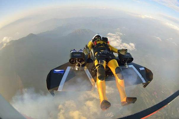 Πετώντας με Jetpack πάνω από το όρος Φούτζι