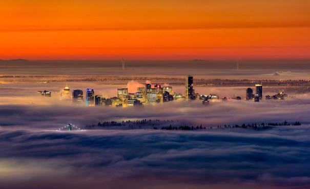 Βανκούβερ στην ομίχλη | Φωτογραφία της ημέρας