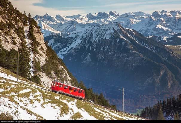 Ο πιο απότομος οδοντωτός σιδηρόδρομος στον κόσμο με 48% κλίση (1)