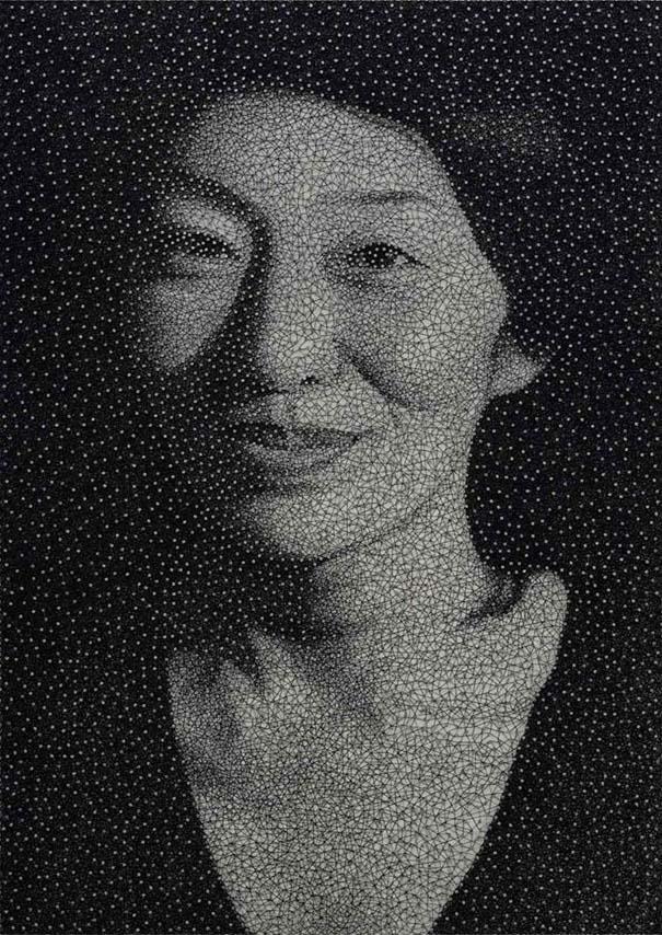 portraita-apo-klwsti-pou-tyligetai-gyrw-apo-xiliades-karfia-03