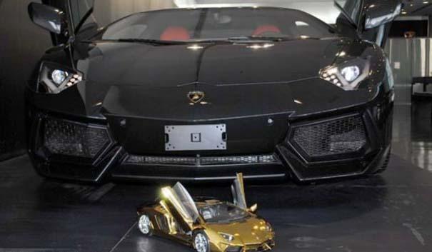 Χρυσή Lamborghini μινιατούρα (7)