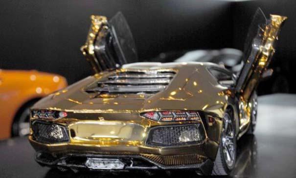 Χρυσή Lamborghini μινιατούρα (8)
