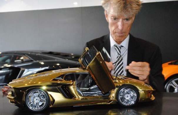 Χρυσή Lamborghini μινιατούρα (11)