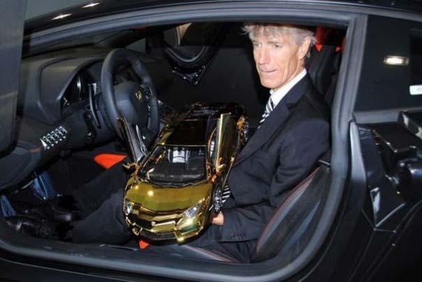 Χρυσή Lamborghini μινιατούρα (12)