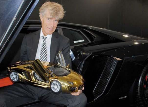 Χρυσή Lamborghini μινιατούρα (13)