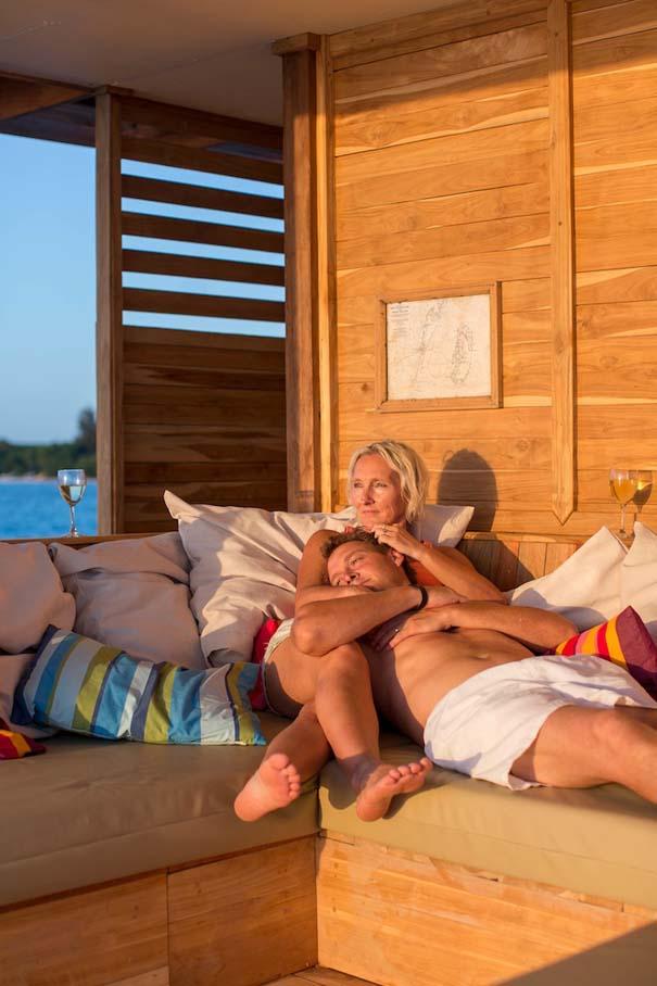 Υποβρύχιο δωμάτιο σε πλωτό ξενοδοχείο στην Αφρική (6)