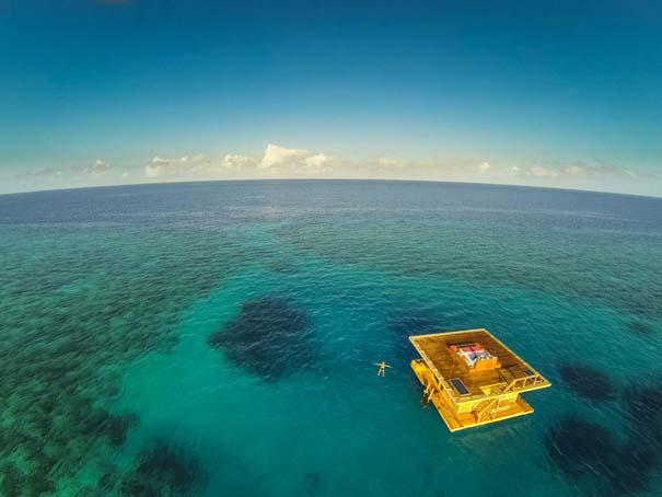 Υποβρύχιο δωμάτιο σε πλωτό ξενοδοχείο στην Αφρική (2)