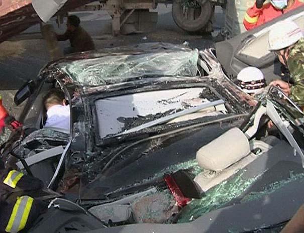 Ζευγάρι επέζησε από τρομακτικό τροχαίο ατύχημα (6)