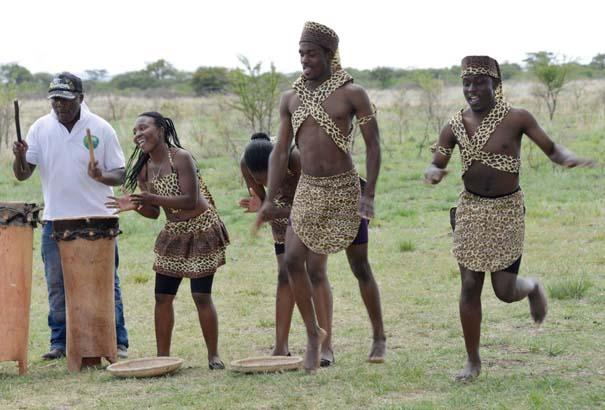 Ένας απίθανος γάμος στη Ζιμπάμπουε (6)