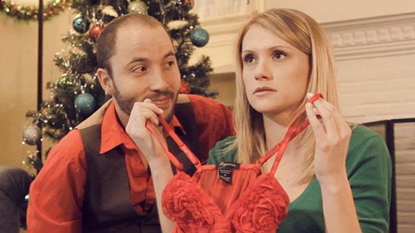 Άβολες χριστουγεννιάτικες στιγμές