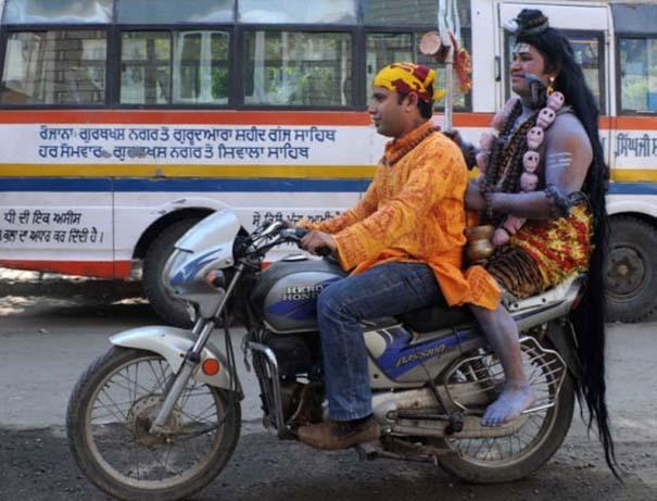 Εν τω μεταξύ στην Ινδία (3)