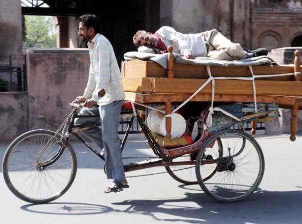 Εν τω μεταξύ στην Ινδία (4)