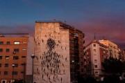 Φιγούρες σε τοίχο πολυκατοικίας (1)