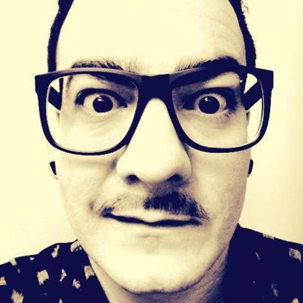 Πείθοντας τον Noah να φορέσει γυαλιά (7)