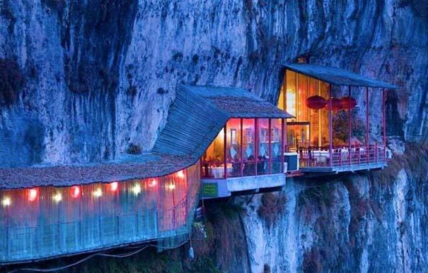 Κινέζικο εστιατόριο κρέμεται πάνω από τον γκρεμό (3)