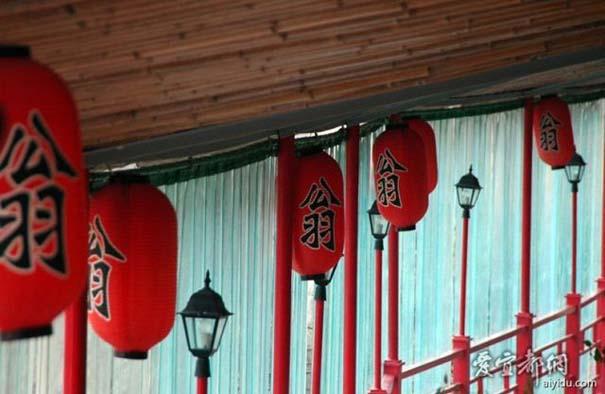 Κινέζικο εστιατόριο κρέμεται πάνω από τον γκρεμό (5)