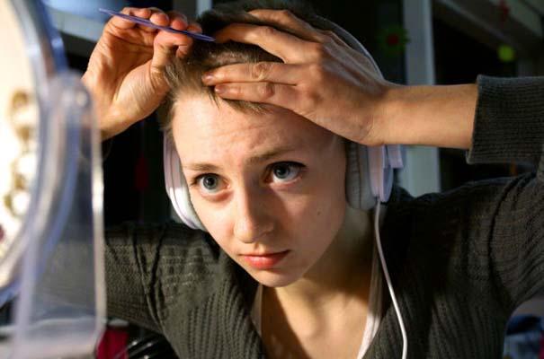 Αυτή η κοπέλα έχει μια πραγματικά περίεργη συνήθεια (2)