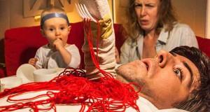 Οικογένεια δημιουργεί διασκεδαστικές παρωδίες ταινιών