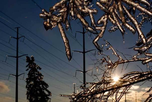 Εντυπωσιακές εικόνες που άφησε πίσω της μια παγοθύελλα στον Καναδά (17)