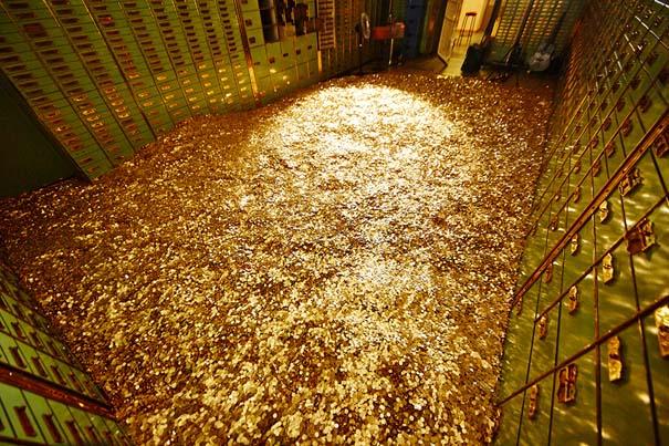 Πισίνα από νομίσματα (1)
