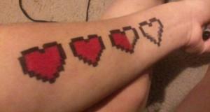 Τατουάζ με pixels… και άρωμα retro