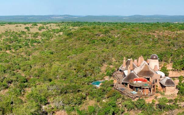 Πολυτελής καλύβα στην Αφρικανική άγρια φύση (1)
