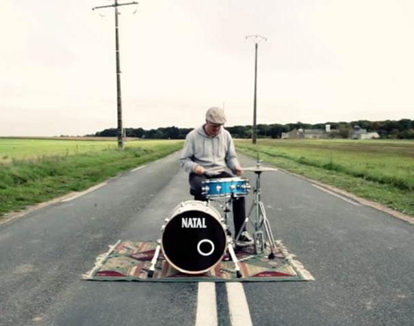 Πως ο ήχος των drums αλλάζει ανάλογα με την τοποθεσία