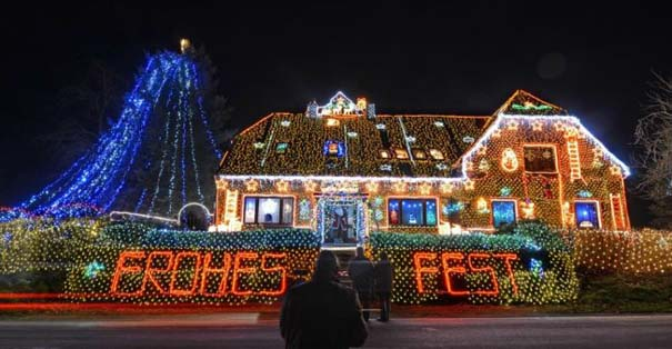 Στόλισε το σπίτι του με 450.000 χριστουγεννιάτικα λαμπάκια (4)